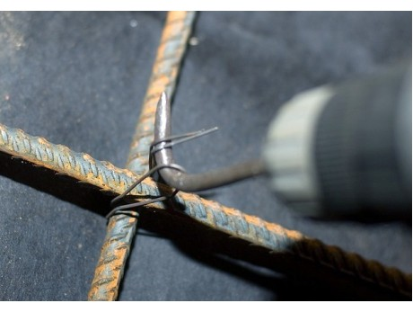 Крюк для вязки арматуры